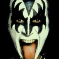 GENE SIMMONDS La lengua más famosa del rock